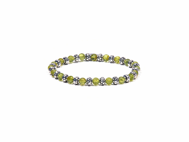 Bracelet with Peridot and details on silver antique - Real Olivina - Volcanic Jewelry Shop