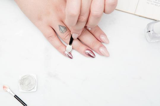 EASY STEPS FOR NAILS AT HOME