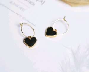 Load image into Gallery viewer, small black heart shaped pendant earrings