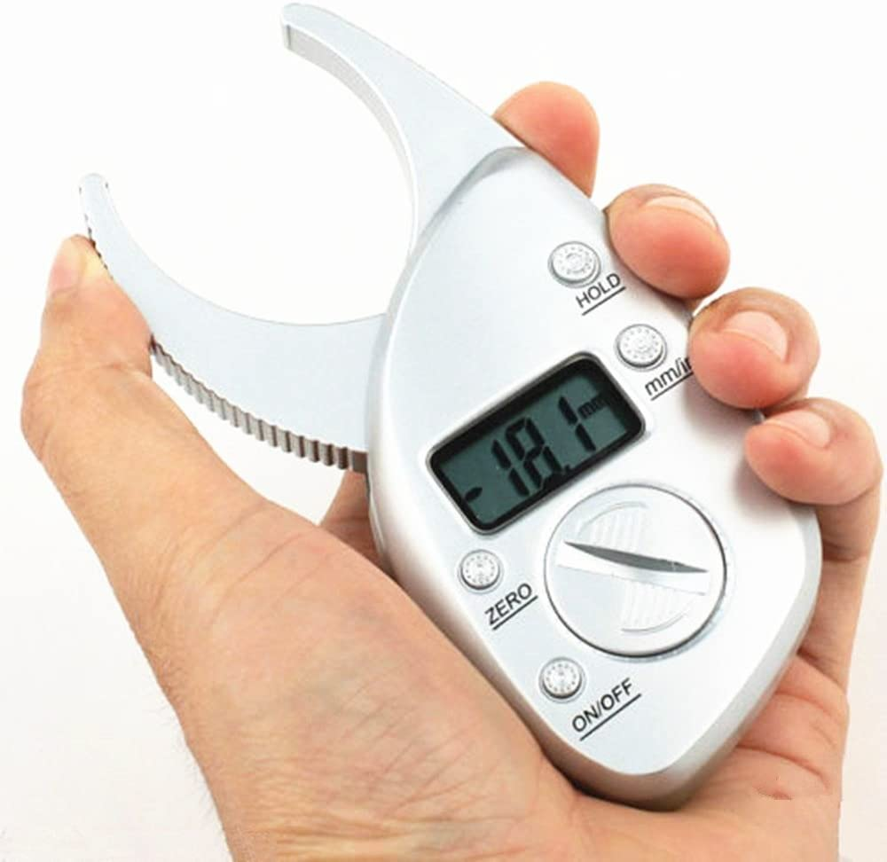Cargar imagen en el visor de la galería, A man holding portable digital body fat caliper measurement tool shows the percentage on a monitor in his hand