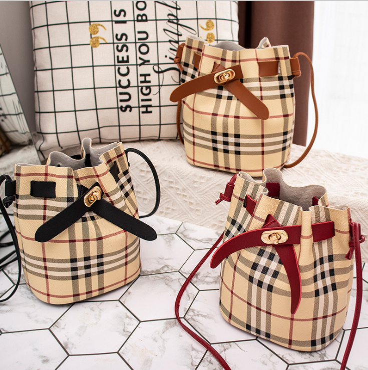 One-shoulder plaid patterned bucket bag for women with different color options