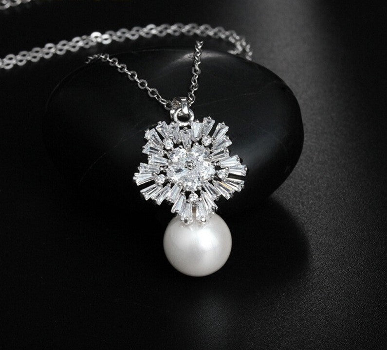Load image into Gallery viewer, pearl jewellery in silver