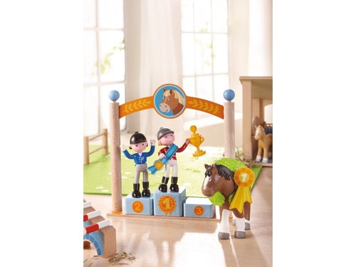 Haba 303048 poppenhuis Little Friends – Speelset Erepodium