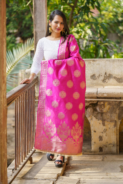 Unffold Silk & Jari Blended Magenta Gold beautiful designed work Dupatta (48 inches) for Women - Round art work