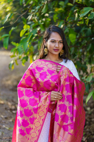 Unffold Silk Blended Magenta Gold (with Rama Green Colour Variant) beautiful designed work Dupatta (24 inches) for Women
