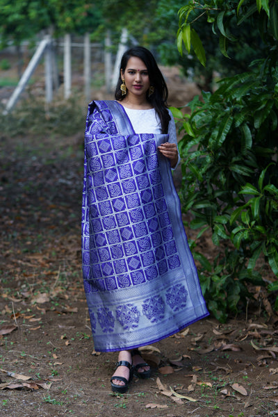 Unffold Silk & Jari Blended White Blue beautiful designed work Dupatta (48 inches) for Women