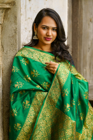 Unffold Silk Blended Green & Gold beautiful designed work Dupatta (24 inches) for Women