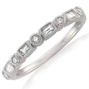 18ct White Gold Baguette & Round .31pts Diamond Ring