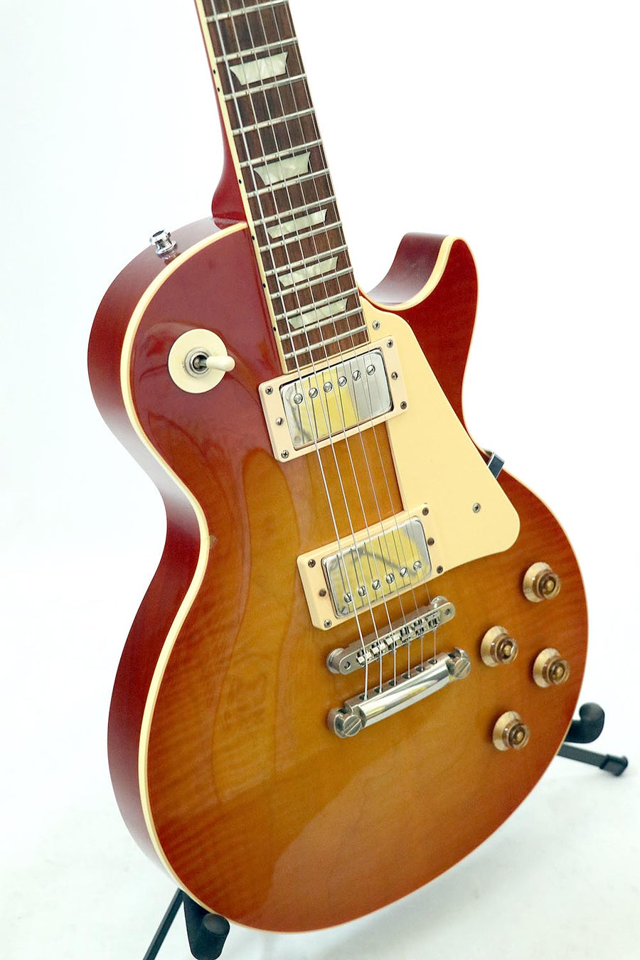 Navigator Les Paul with Bare Knuckle pickups