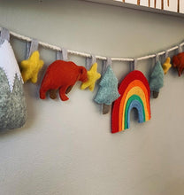 Load image into Gallery viewer, Charming Bears in the Forest Felt Bunting