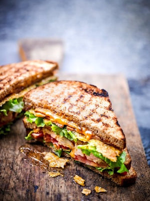 SPICY CHICKEN CLUB SANDWICH