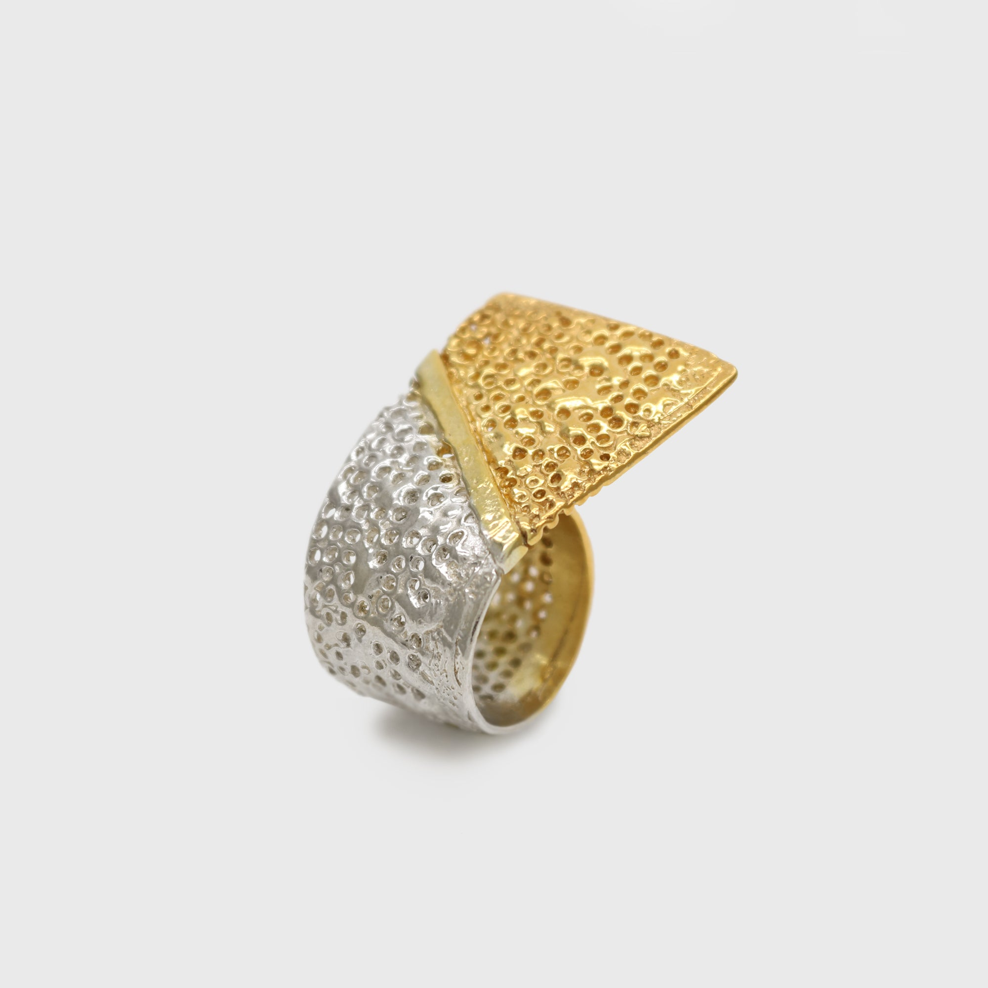 Vulcana Wave Ring I – Paula Vieira Jewellery