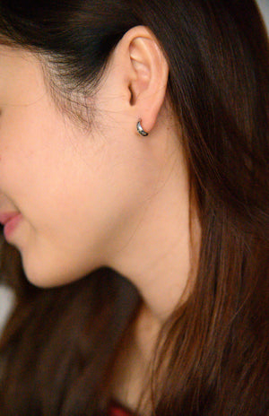 Load image into Gallery viewer, Zora Studs in silver