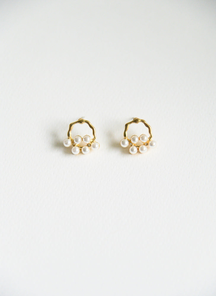 Load image into Gallery viewer, Phila Pearl Studs (S925)