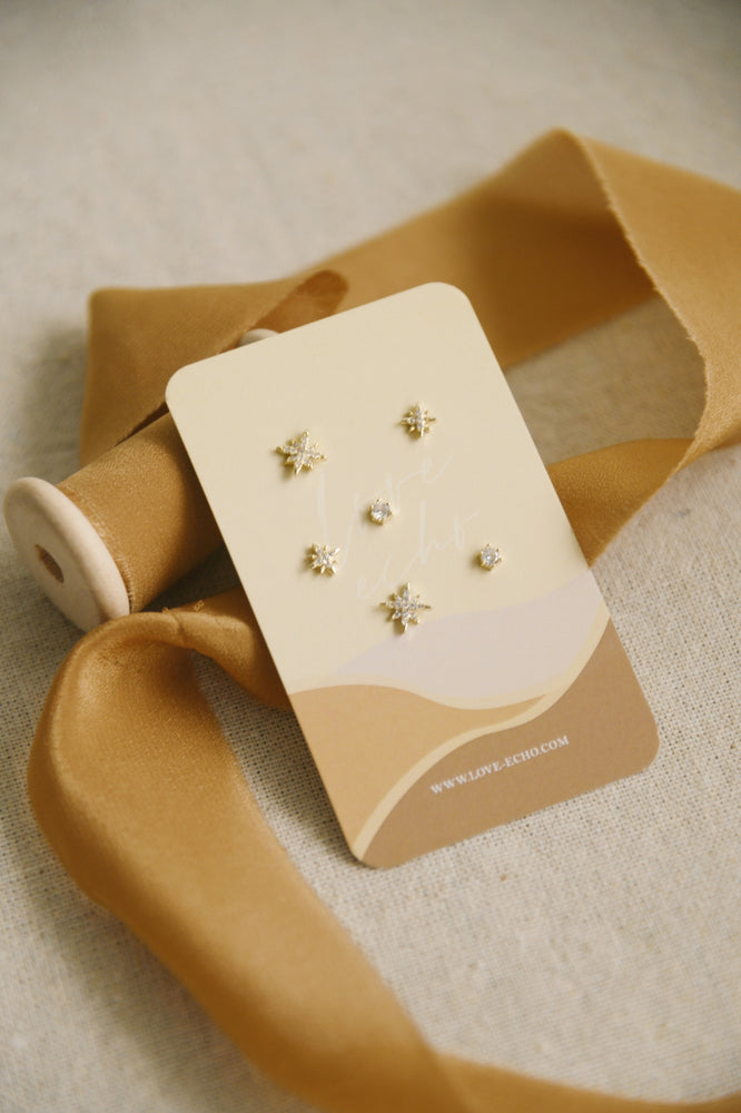Load image into Gallery viewer, Sparkles Studs (6 earrings pack)