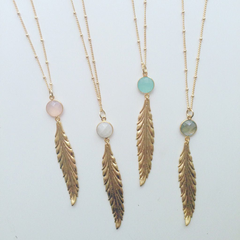 Round Stone Feather Necklace