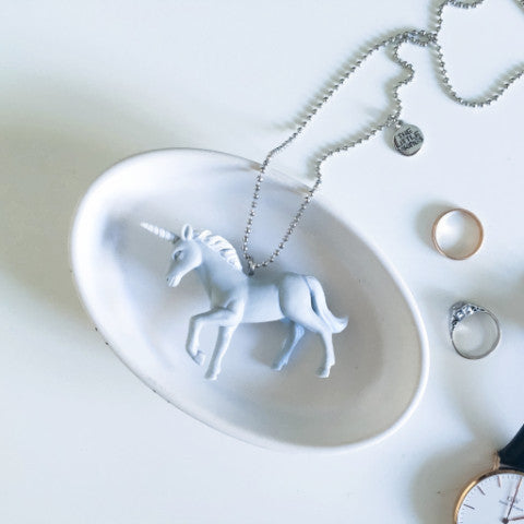 The Mama Necklace Grey Unicorn