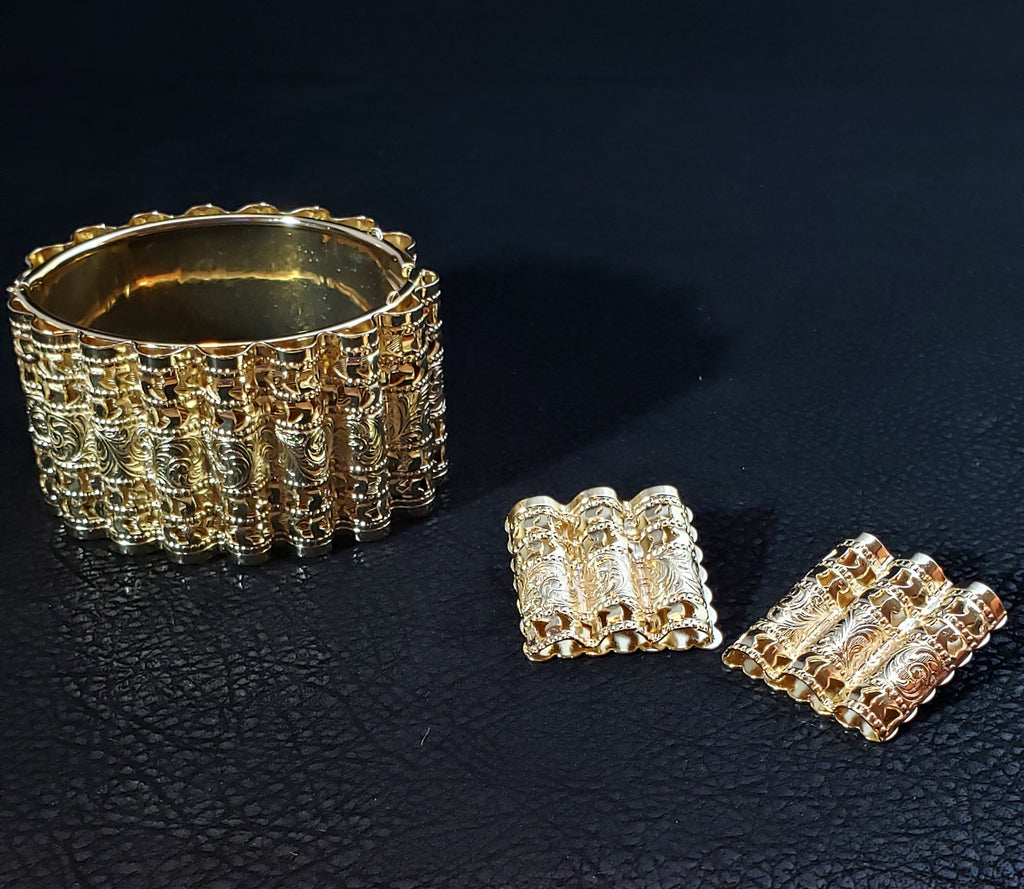 18K Gold Plated Bracelet and Clip On Earrings
