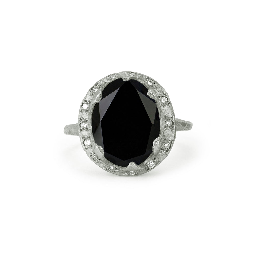 Queen Oval Onyx Ring with Sprinkled Diamonds Yellow Gold