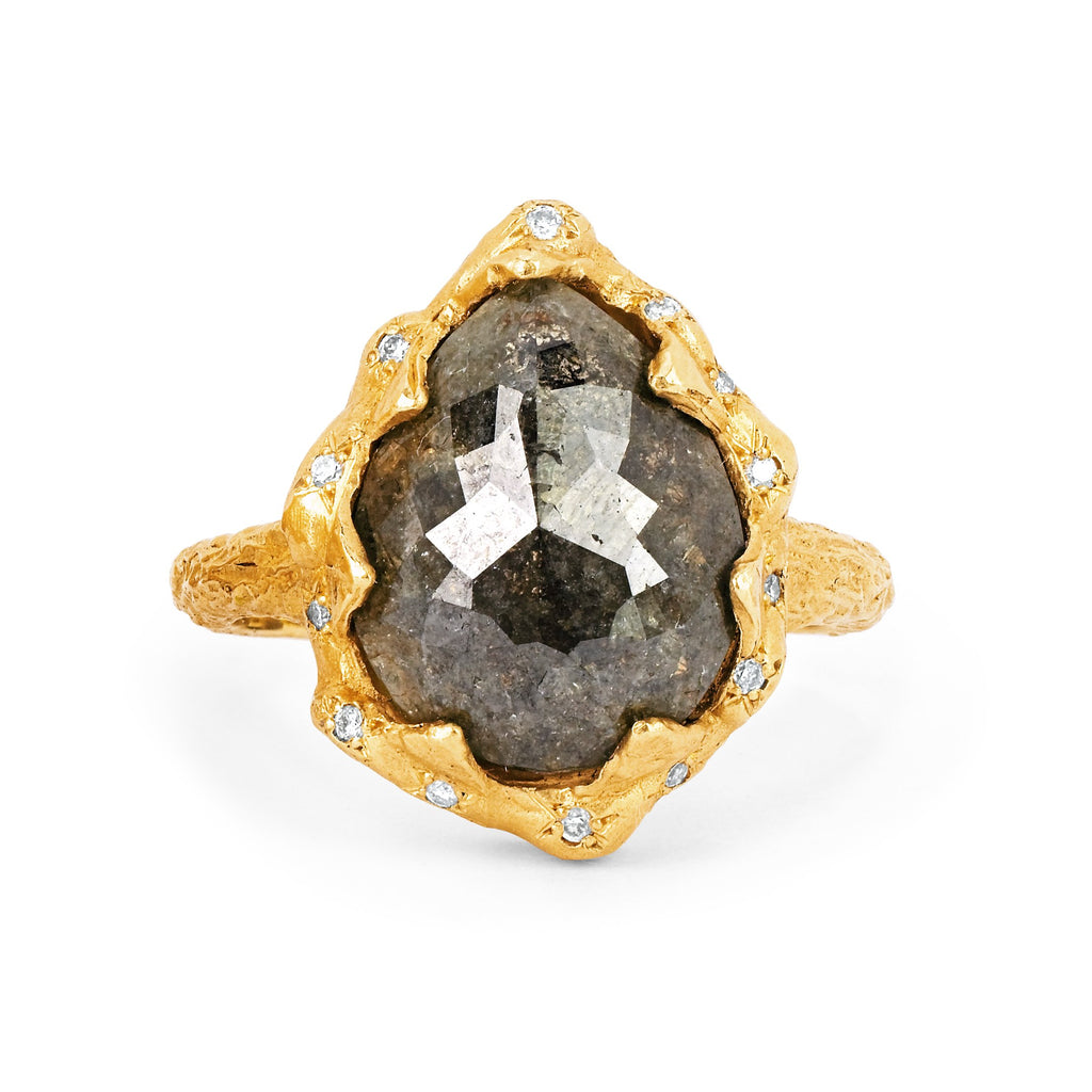 Water Drop Grey Diamond Queen Ring with Sprinkled Diamonds Yellow Gold