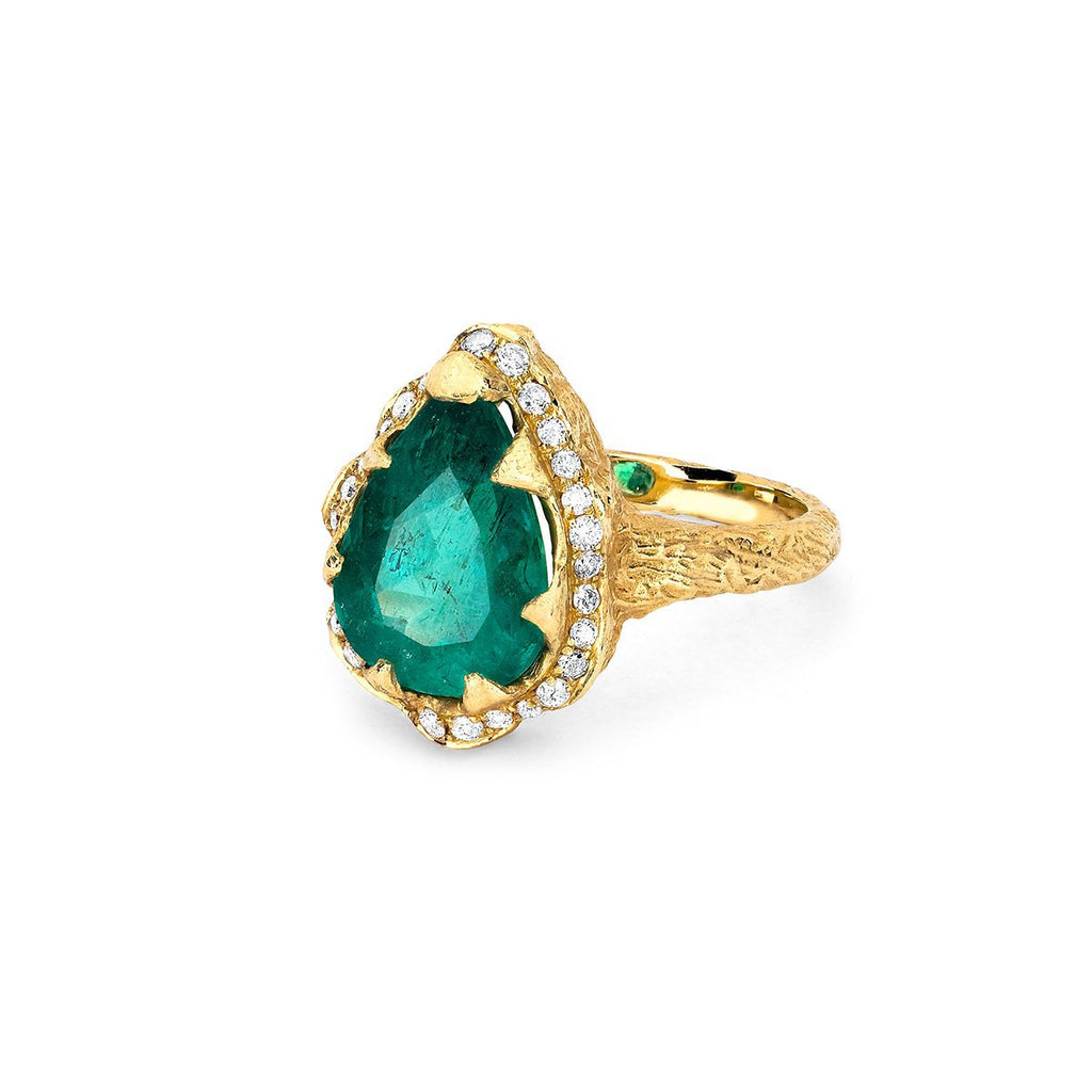 18k Premium Water Drop Colombian Emerald Queen Ring with Full Pavé Diamond Halo 18k Premium Water Drop Colombian Emerald Queen Ring with Full Pavé Diamond Halo