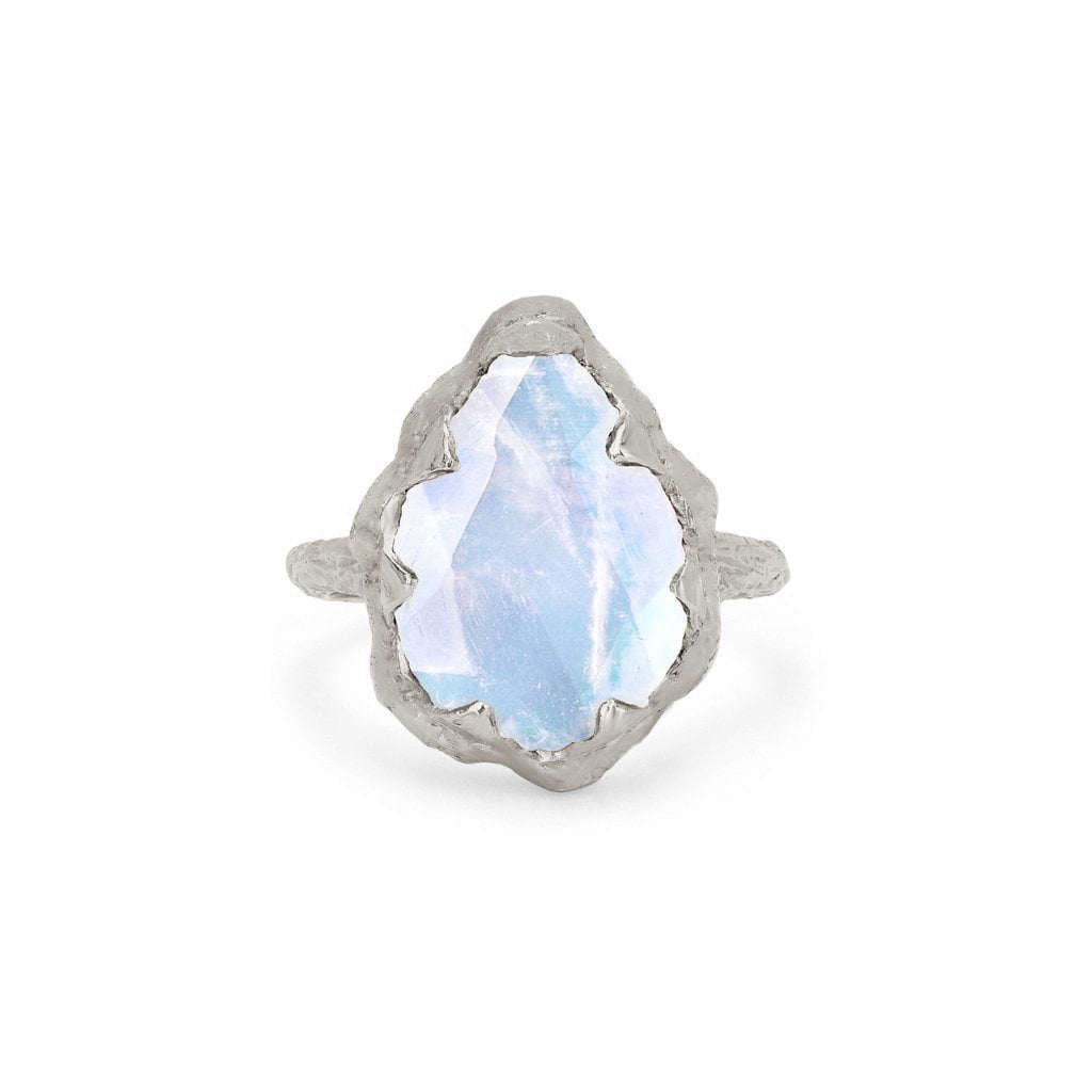 Queen Water Drop Moonstone Solitaire Ring