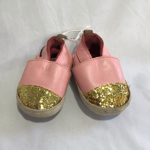 Pretty Brave Espadrille. Pink and Gold glitter.  size Small