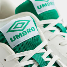 Lade das Bild in den Galerie-Viewer, Umbro Highway WB White / Green