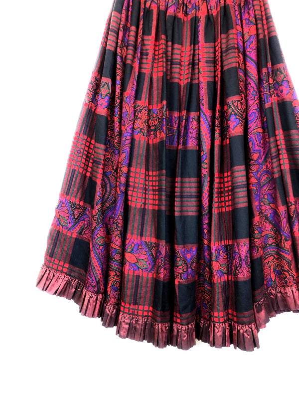 vintage wool skirt saint laurent YSL plaisir palace vintage store in paris marais luxury second hand