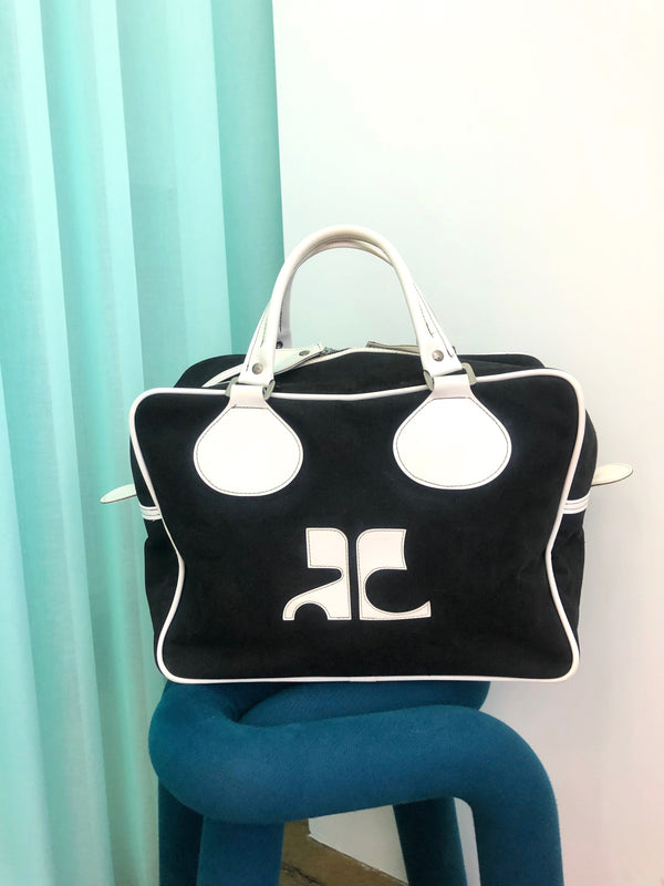 vintage courreges black and white canvas bag at plaisir palace Paris
