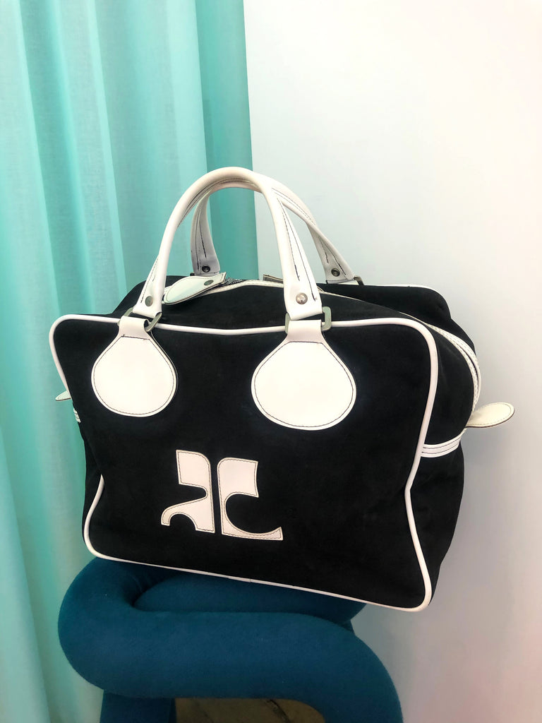 vintage courreges bag plaisir palace the high-end vintage boutique Paris second-hand luxury second-hand second-hand clothing store