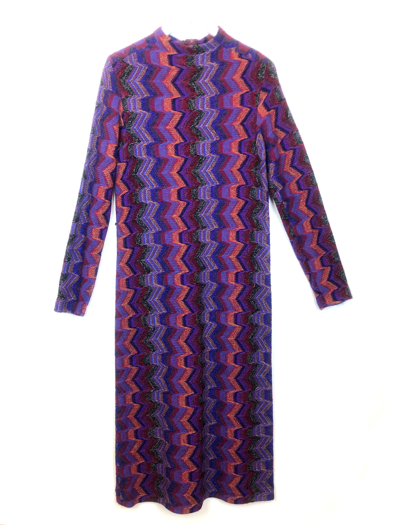 vintage purple wool dress with zigzag pattern to find at plaisir palace Paris