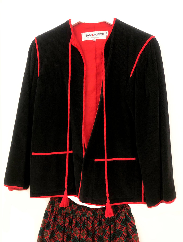 veste vintage yves saint laurent en velour noir interieur rouge plaisir palace 3 rue paul dubois 75003 paris