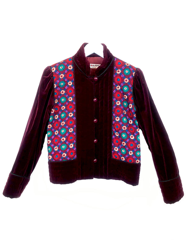 veste vintage saint laurent en velour et coton bordeau avec motif fleur collection russe chez plaisir palace paris