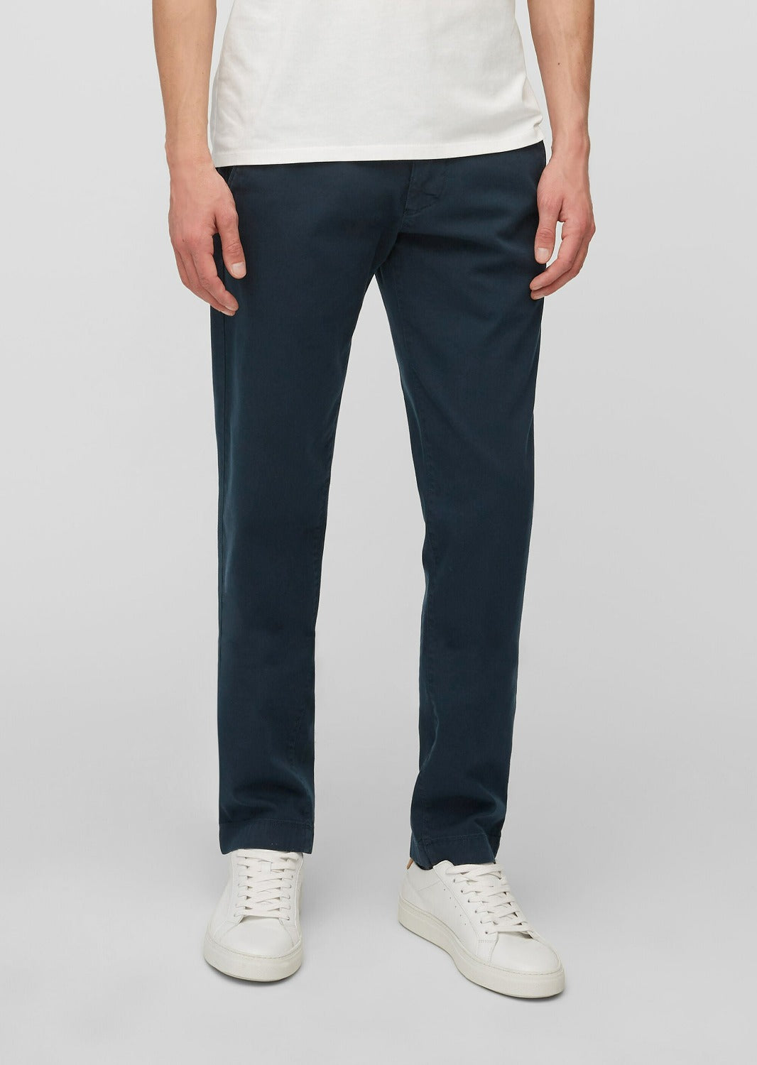 Navy Chino - Model STIG