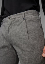 Afbeelding in Gallery-weergave laden, Grijze Pantalon STIG PLEATS tapered