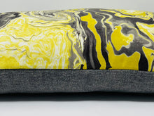 Load image into Gallery viewer, Pillow (Lumbar Medium)