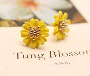 Yellow Daisy Studs