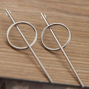Get Silver Cos Teta Earring with RS. 650.00