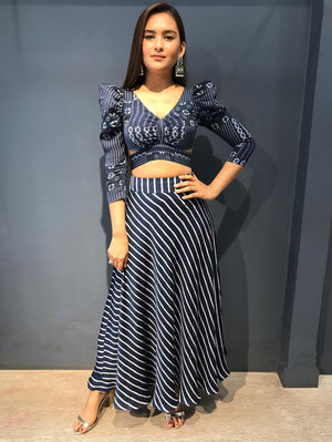 Cut Out Crop Top With Striped Straight Skirt - Two Piece Outfits - Zooomberg - Zoomberg