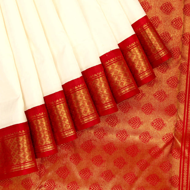 Kuberan White Red 9 Yards Silk Saree