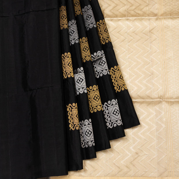 Kuberan Black Cream Pure Silk Saree