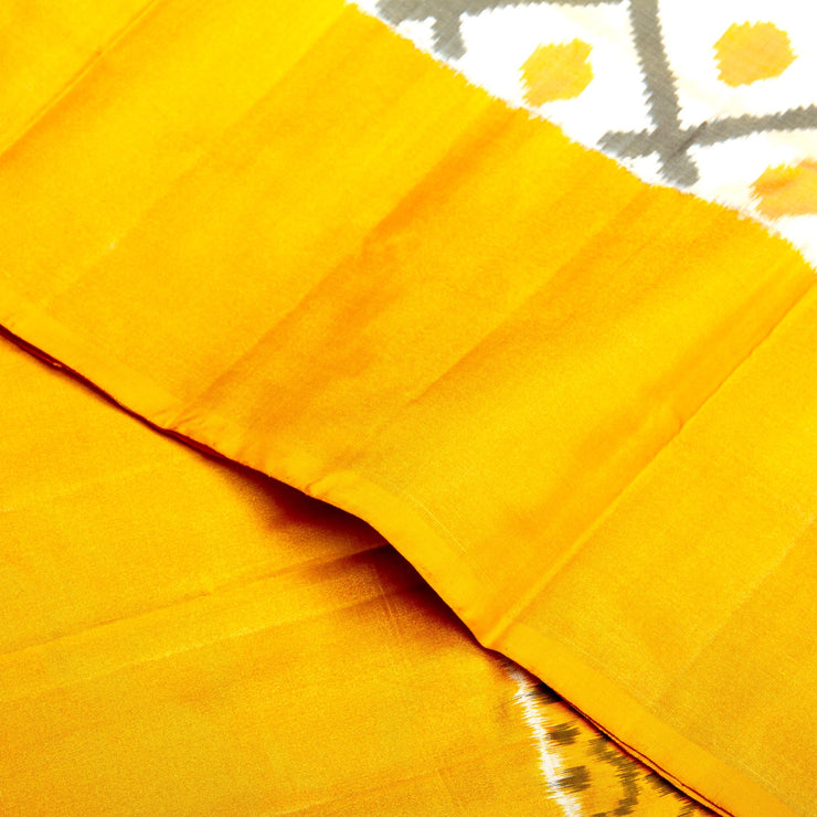 Kuberan White Yellow Pochampally Silk Saree
