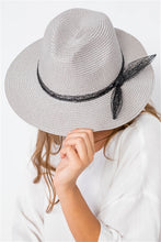 Load image into Gallery viewer, Grey Straw Bow-tie Fedora