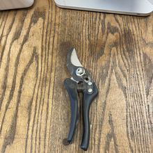 Load image into Gallery viewer, Bahco Hand Pruner