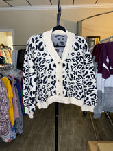 Load image into Gallery viewer, Button-Up Leopard Sweater