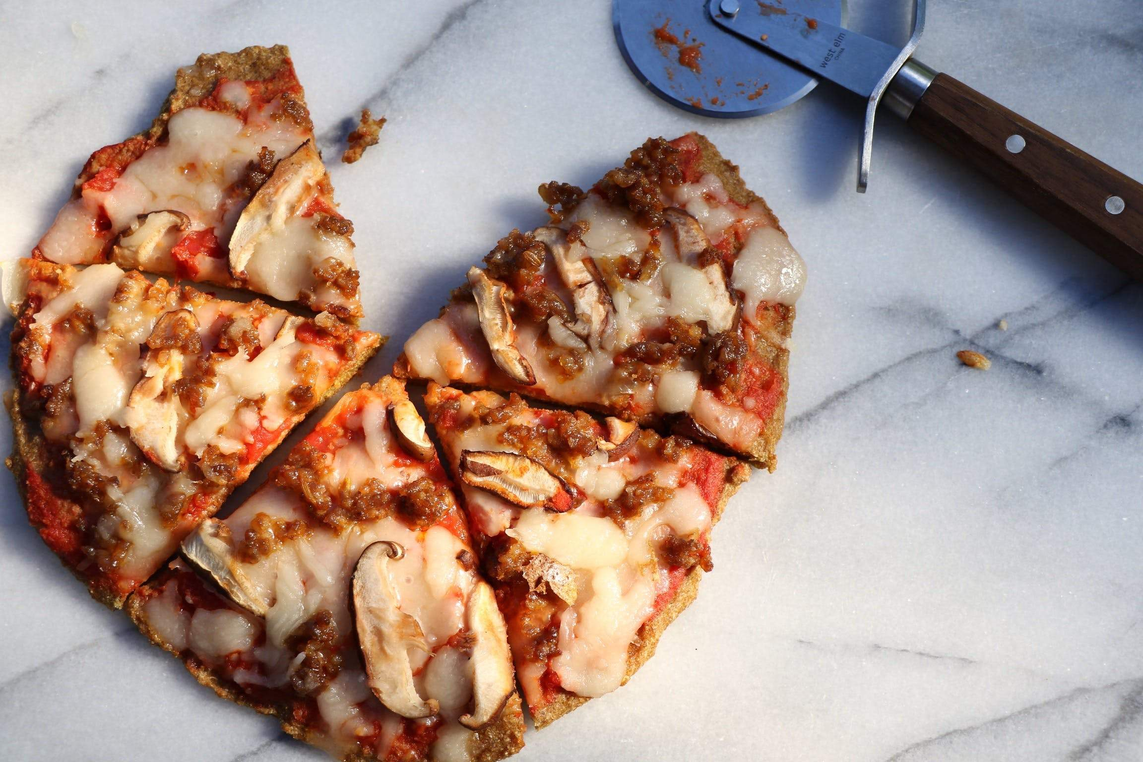 4 Low Carb Pizzas You Should Make This Month