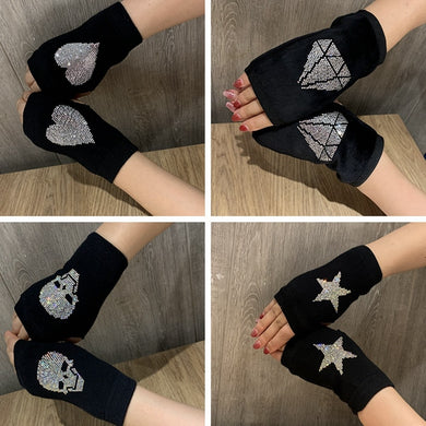 Women's Winter Gloves Black Knit Half Finger Driving Gloves Skull Heart shape Women's Winter Warm wrist Mittens Wholesale Female