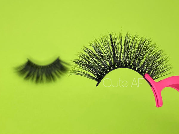 CUTE AF 25mm Mink Lashes ( single)