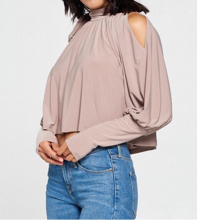 COLDEST SHOULDER | blouse
